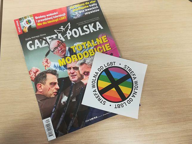 """""""Gazeta Polska"""" w ostatniej chwili zmieniła hasło na naklejce. Ale do niektórych egzemplarzy numeru dołączono jej starą wersję"""