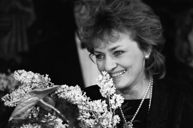 Warszawa 1987 r. Fotografia z gali wręczenia Wiktorów. Zdzisława Guca była wówczas  jedną z laureatek