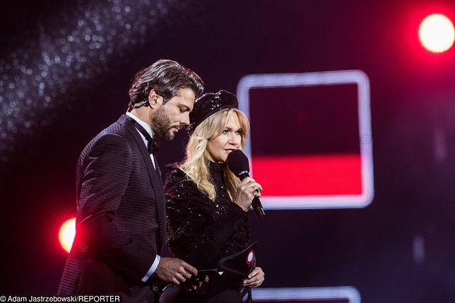 """Olivier Janiak i jego pomyłka na koncercie """"Muzyka Wolności"""" w Poznaniu. Został wygwizdany"""