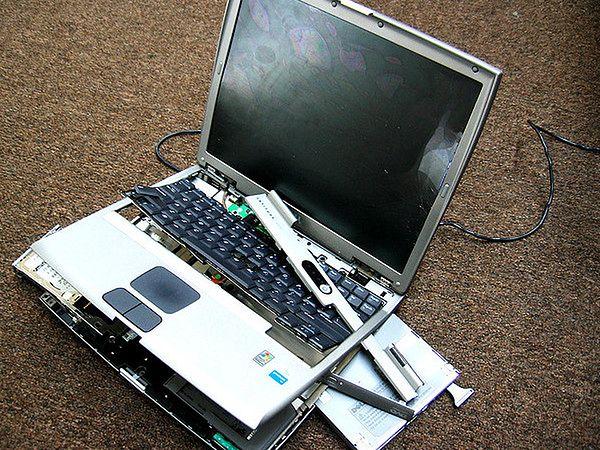 Najczęstsze przyczyny awarii laptopów