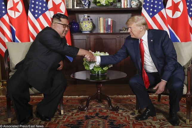 """Spotkanie Trump - Kim słowo po słowie. """"To wielki honor spotkać się z panem"""""""
