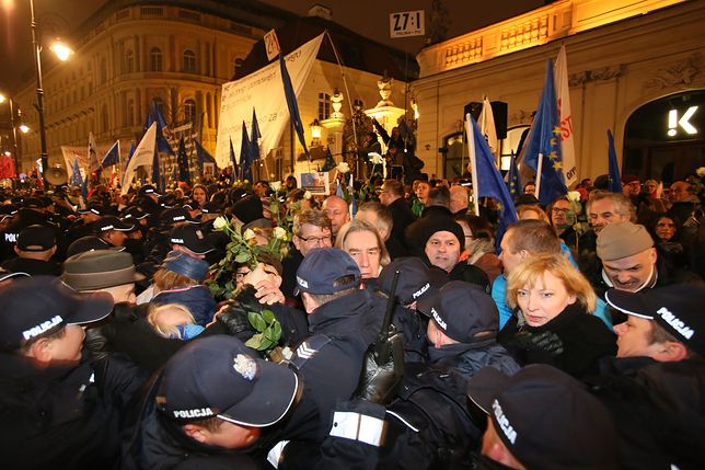Większość Polaków nie zgadza się z kontrmanifestacjami