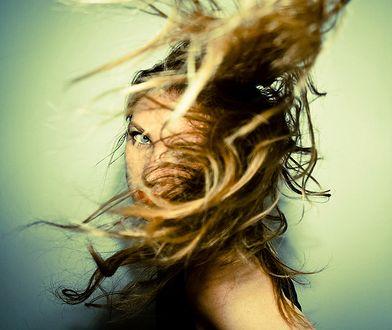 Długie włosy – podpowiadamy, jakie fryzury wybrać