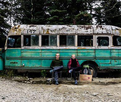 Na drodze do Magicznego Autobusu znajduje się m.in. grób Francuzki
