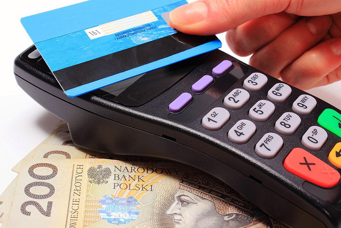 Zbliżeniowo bez PIN-u za 100 zł. Banki chcą zmian w prawie