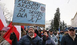 Ustawa obejmie wyłącznie byłych funkcjonariuszy SB, a nie Milicji Obywatelskiej - zapowiedział były szef MSWiA Mariusz Błaszczak.