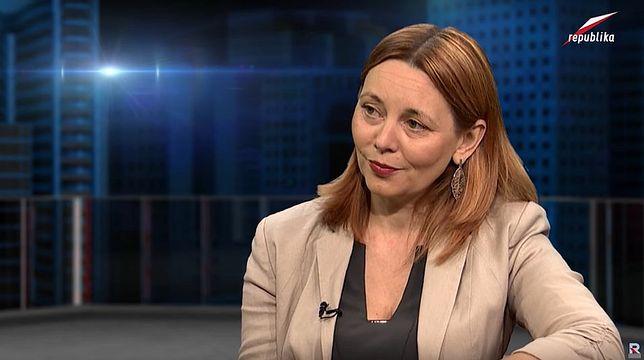 """Sabina Zalewska wykłada etykę na UKSW. Jak donosi """"Tygodnik Powszechny"""", nagminnie plagiatuje też prace innych (YouTube)"""