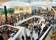 W Polsce jest coraz więcej centrów handlowych.