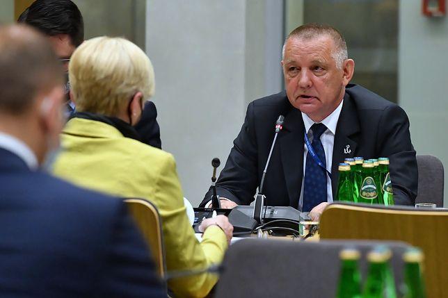 Prezes NIK Marian Banaś podczas posiedzenia sejmowej komisji do spraw kontroli państwowej