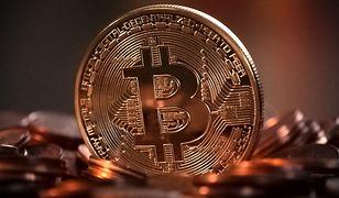Bitcoin traci na wartości. Wszystko przez decyzję Elona Muska ws. Tesli