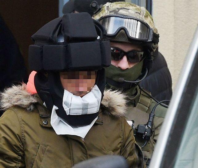 Kajetan P. zaatakował w więzieniu psycholożkę. Zranił też strażnika [WIDEO]