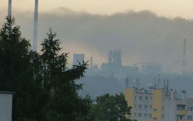 Dym unosił się nad kombinatem. Zdaniem KAS mogło dojść do poważnego zanieczyszczenia