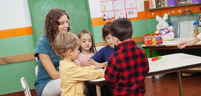 Komisje negatywnie o poprawkach dotyczących asystentów nauczycieli