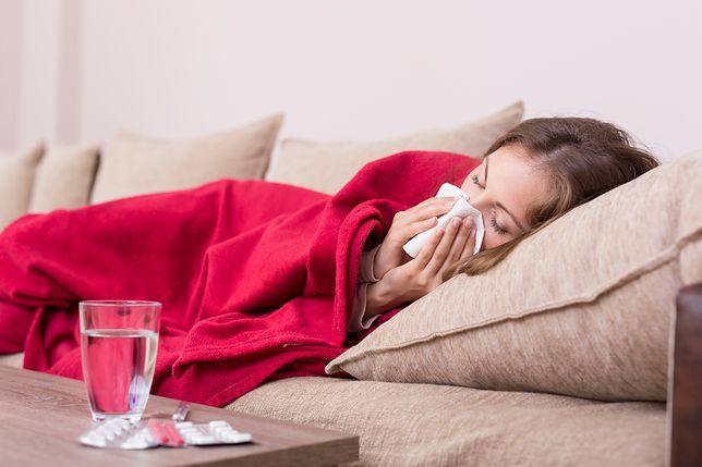 Grypa czy koronawirus? Jak odróżnić od siebie objawy i jakie są powikłania pogrypowe?