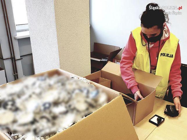 Śląskie. Całość zabezpieczonego przez policję podrobionego towaru mieści się w kilkunastu kartonach.