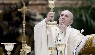 """Papież odprawił mszę w nietypowym towarzystwie. """"Dla Boga nikt nie jest wykluczony"""""""