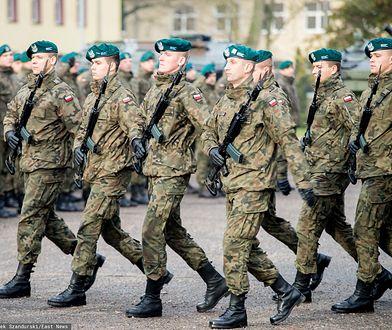Przemarz żołnierzy Wojska Polskiego przed odlotem na misję pokojową ONZ w Libanie (zdj. arch.)
