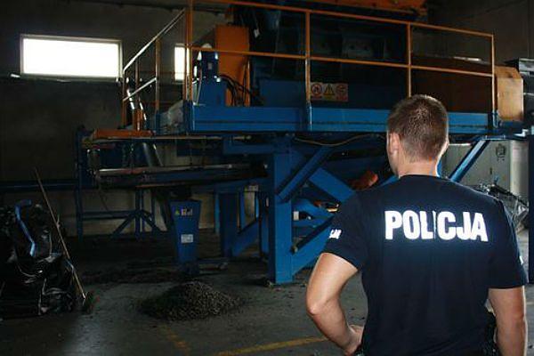 Grodzisk Wielkopolski: śmiertelny wypadek pracownika - został wciągnięty przez maszynę mielącą