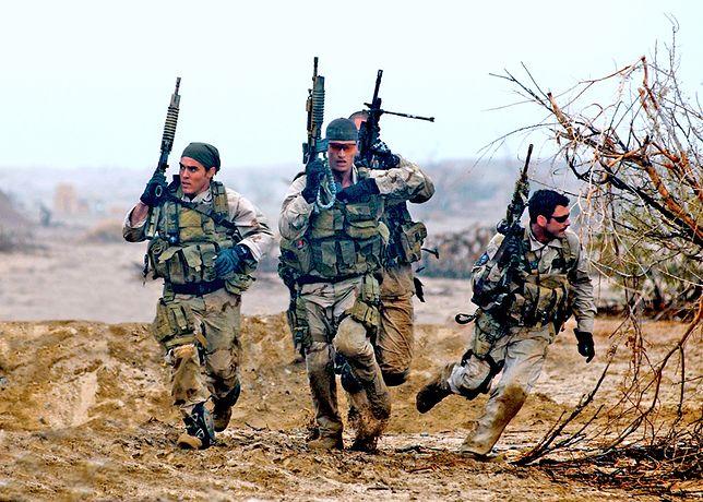 Oddziały SEALs działają w wodzie, na lądzie i w powietrzu