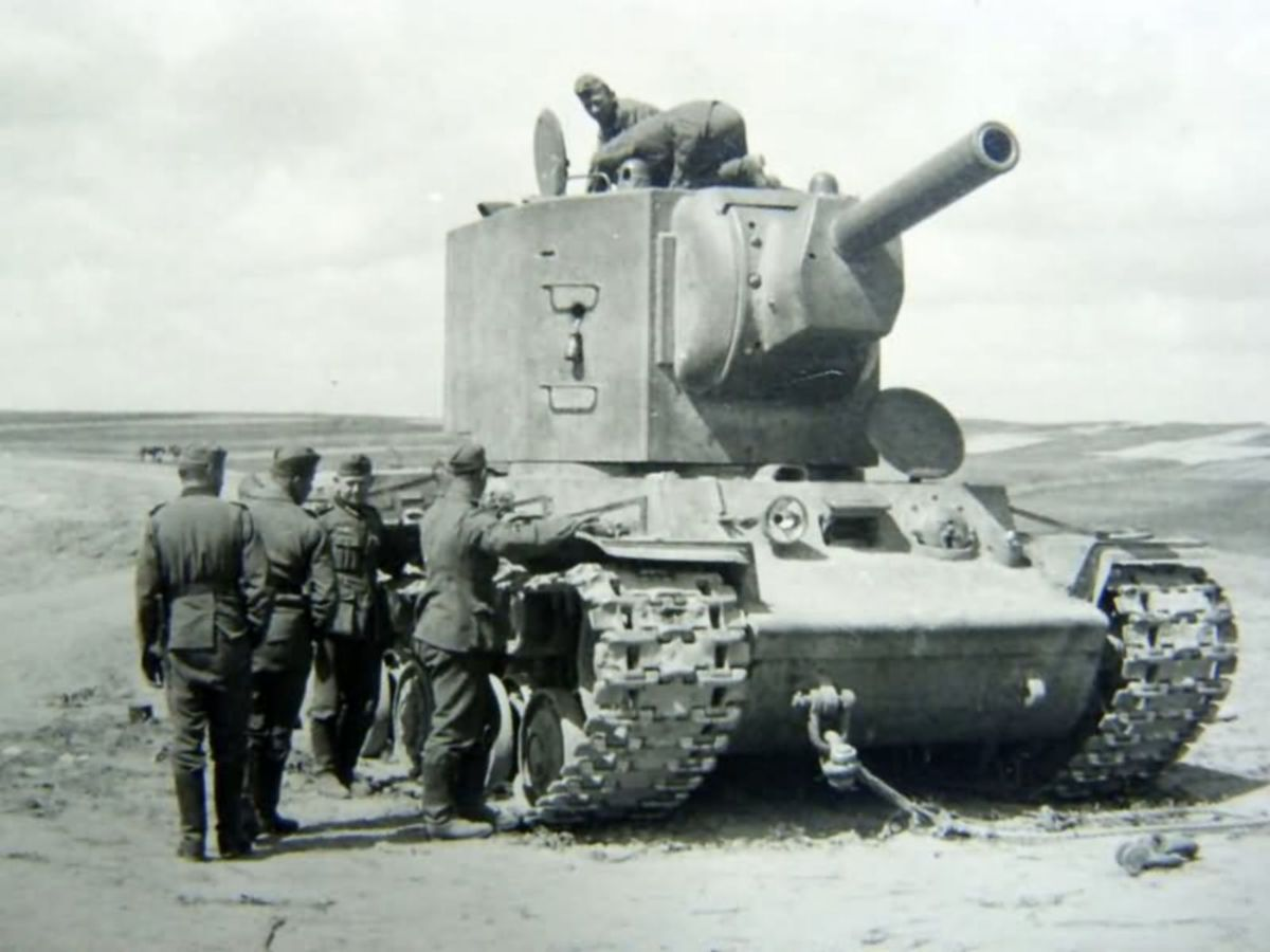 Czołg ciężki KW-2
