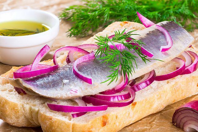 Ryba na piątek: sfermentowany szwedzki śledź. Przysmak tylko dla odważnych
