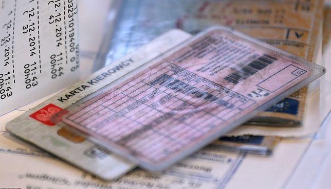 Od 2013 r. w Polsce nie wydaje się już bezterminowych praw jazdy. Dokument trzeba wymienić najpóźniej po 15 latach