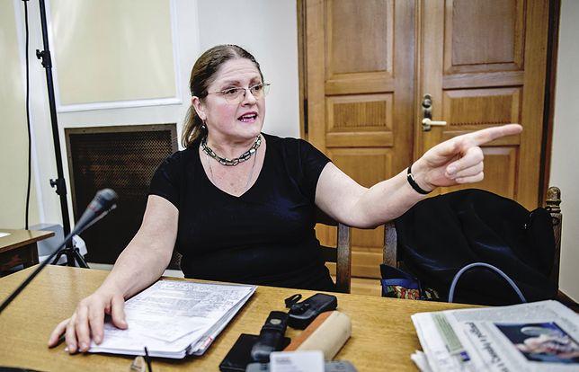 Krystyna Pawłowicz znów w akcji: czy tam w ogóle ktoś urzęduje?