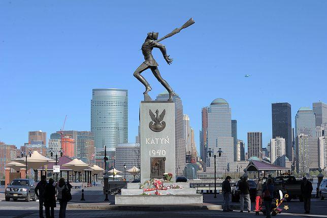 Pomnik Katyński w Jersey City zostanie tymczasowo przeniesiony do magazynu z powodu prac związanych z powstaniem parku