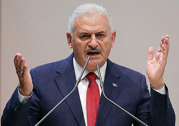 """Premier Turcji straszy UE: zerwanie rozmów oznacza """"zalew imigrantów"""""""