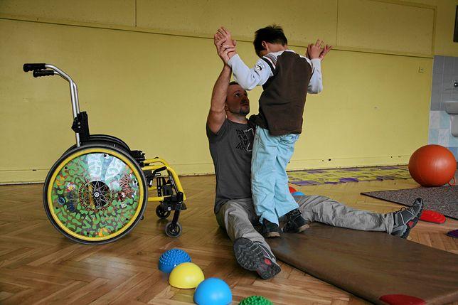Dyrekcja zdecydowała o wynajęciu całego zakładu rehabilitacji.