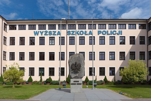 Szczytno. Rektorowi Wyższej Szkoły Policji zarzuca się m.in. plagiat