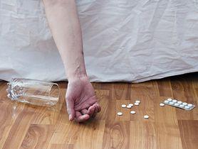 Nastolatek odurzony lekiem na kaszel trafił do szpitala