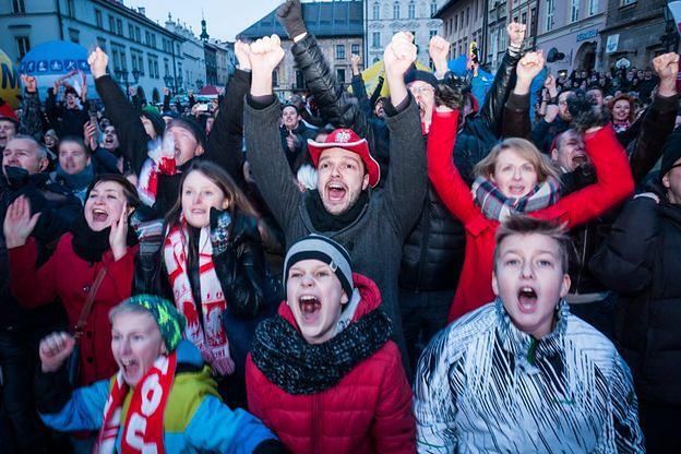 Nie będzie dodatkowych zabezpieczeń w polskich strefach kibica. Władze Warszawy: nie ma do tego podstaw