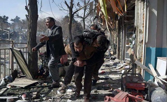 We wczorajszym zamachu w Kabulu zginęło już ponad 100 osób.