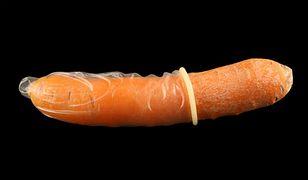 Prezerwatywa na marchewce oburzyła rodziców