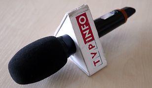 Porównano ponad 8 tys. pasków TVP Info i TVN24