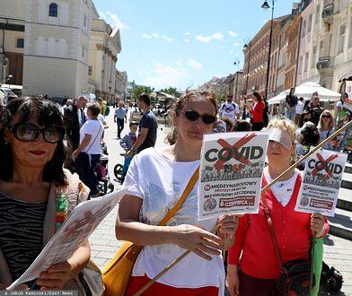 Warszawa. W niedzielę 16 sierpnia odbył się marsz antyszczepionkowców / foto ilustracyjne