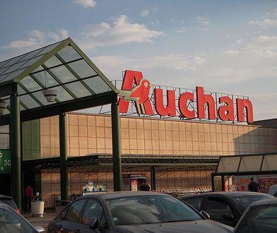 Auchan wprowadza do oferty markową odzież używaną. Ceny już od 7 zł