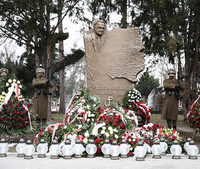 Warszawa. Na Powązkach oddano hołd Janowi Olszewskiemu