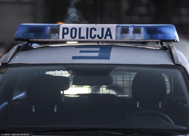Potrącił policjantkę. Trwają poszukiwania mężczyzny