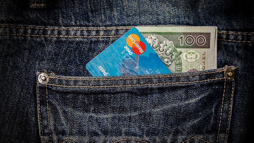 Przeglądarki dostaną menedżery kart płatniczych, by ułatwić zakupy
