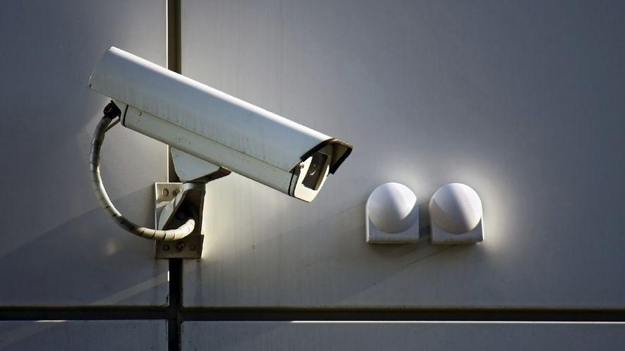 John McAfee zapowiada bezpieczny smartfon dbający o prywatność