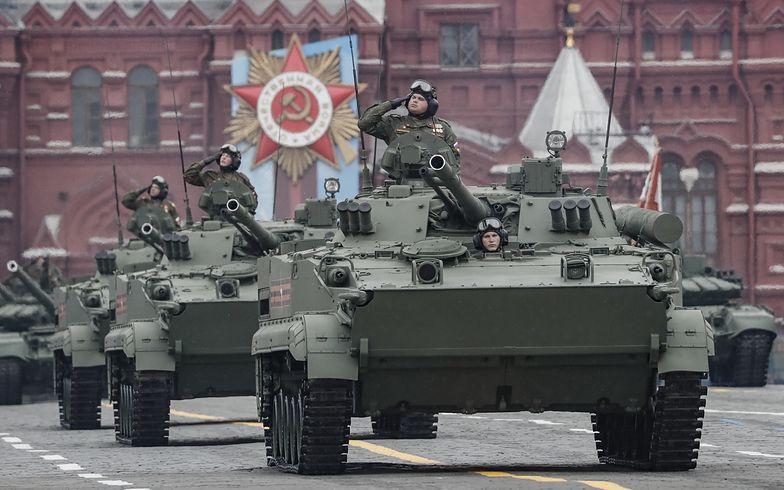 Incydent podczas parady wojskowej. Nagranie z Rosji
