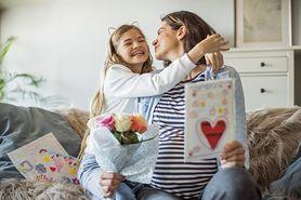 Dzień Matki 2021. Jaki prezent wybrać? Kiedy obchodzimy to święto?