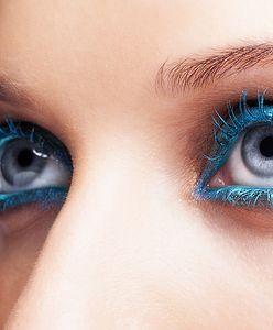 Błękit w makijażu. Jesteś gotowa na wyraziste oczy? Poznaj najgorętszy hit tego sezonu