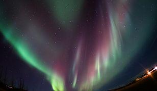 Światła Północy bywają widywane częściej przed lokalną północą niż nad ranem