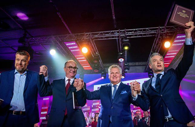 Adrian Zandberg, Włodzimierz Czarzasty, Aleksander Kwaśniewski i Robert Biedroń na konwencji wyborczej Lewicy w Katowicach.