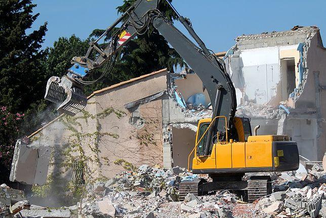 Zburzono niewłaściwy dom bo... Google Maps wskazało zły adres
