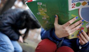 Niż demograficzny wymiata nauczycieli ze szkół