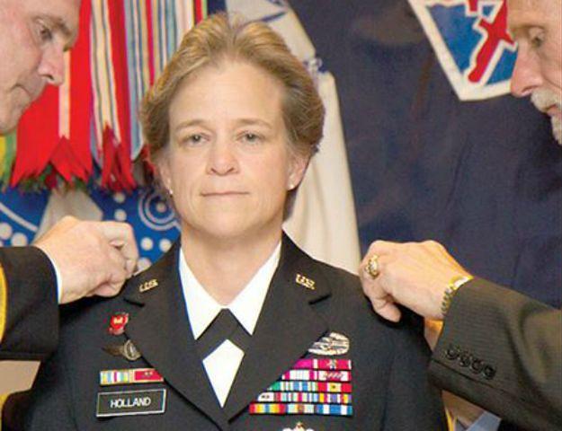 Generał Diana Holland